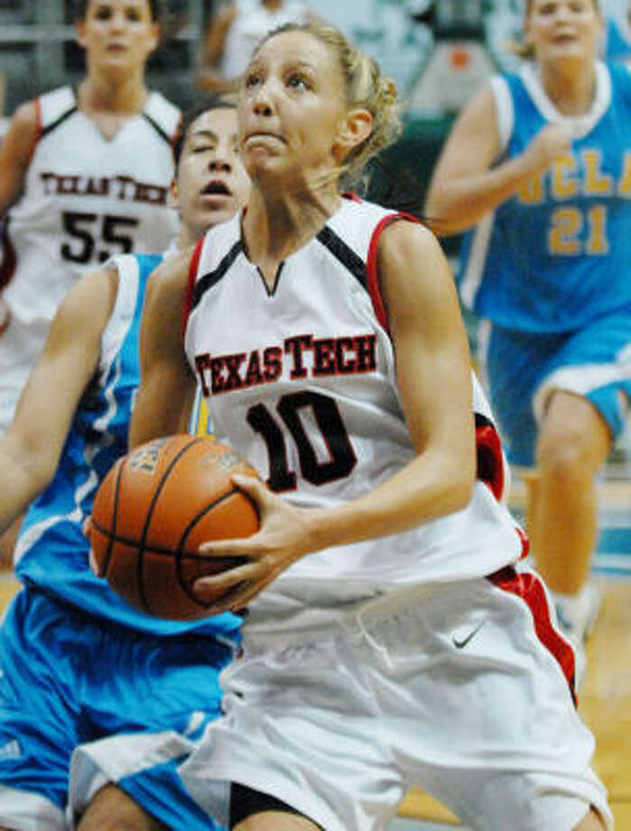Brooke Baughman and the Red Raiders topped UCLA. Photo: RONEN ZILBERMAN, AP