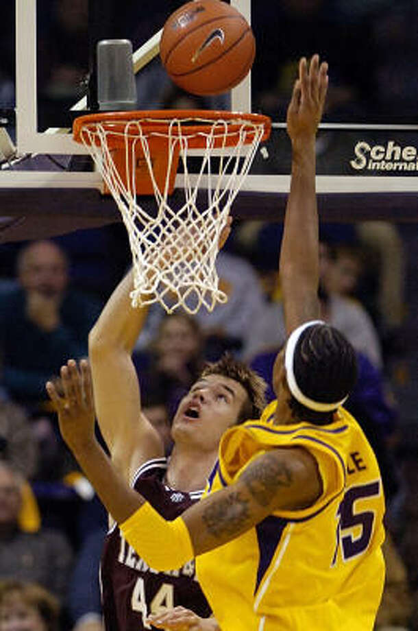 Texas A&M's Antanas Kavaliauskas led the Aggies, but it wasn't enough to get a win in Baton Rouge. La. Photo: Bill Feig, AP
