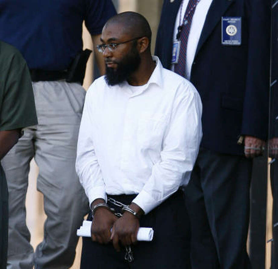 Kobie Diallo Williams, also known as Abdul Kabir, pleaded guilty after he and a Pakistani living illegally in the United States were charged with conspiring to join the Taliban and fight against U.S. forces, federal prosecutors announced Tuesday. Photo: NICK DE LA TORRE, AP
