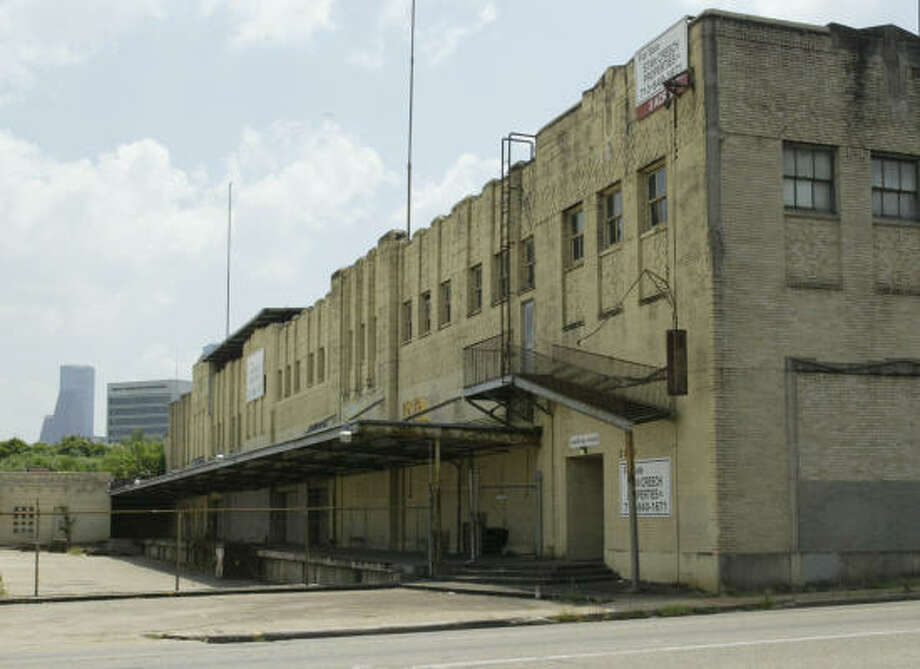 The historic Robinson Warehouse on Allen Parkway has been sold to the Aga Khan Foundation and will be cleared to make room for a Muslim Ismaili center. Photo: Buster Dean, Chronicle