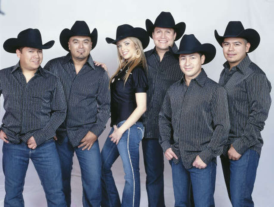 The former Grupo Límite has re-emerged as LMT. Photo: DISA LATIN MUSIC