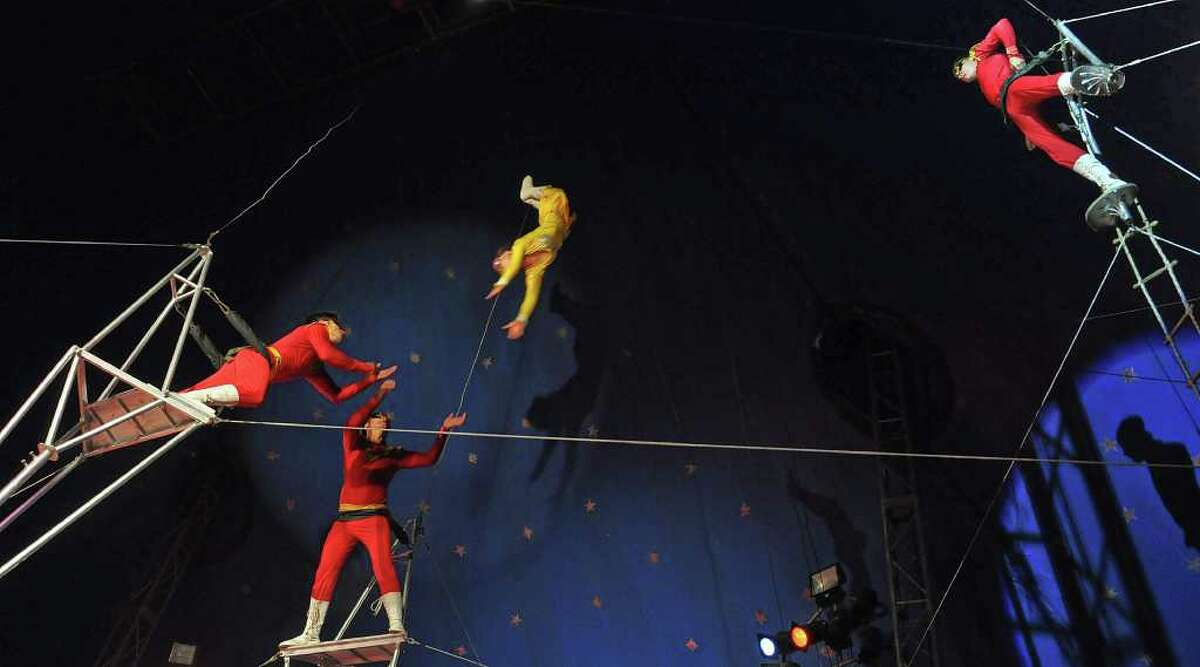 Members of China's Fuyong Acrobaticst Troupe perform in Havana on August 11, 2011 during the 10th International festival of Summer Circus.