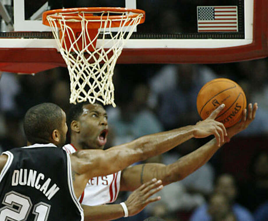 Tracy McGrady says he loves the challenge of playing some of the Spurs. Photo: Kevin Fujii, Chronicle