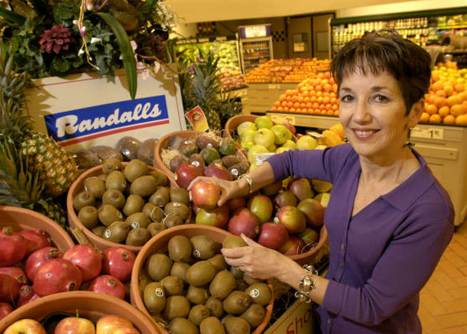 Randalls nutritionist Lori Valencic practices what she preaches. Photo: Dave Rossman, For The Chronicle