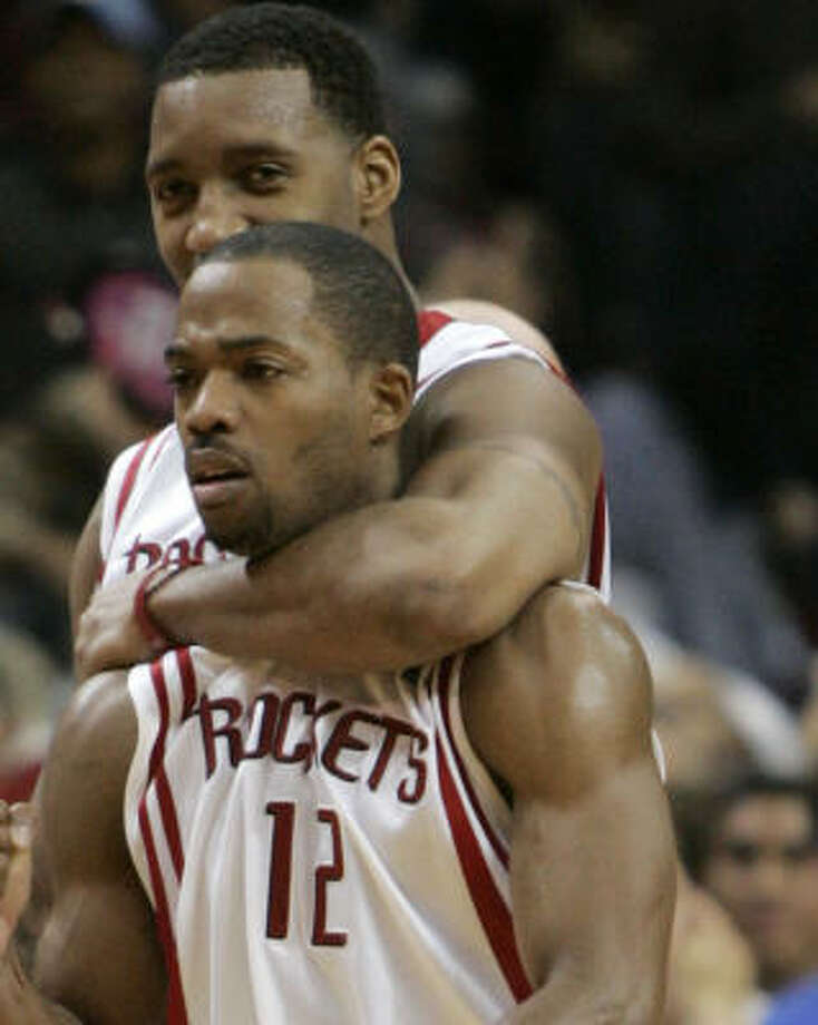 Rafer Alston (12) had a key 3-pointer against the Wizards. Coach Jeff Van Gundy said the team takes good 3-pointers, for the most part. Photo: BRETT COOMER, CHRONICLE