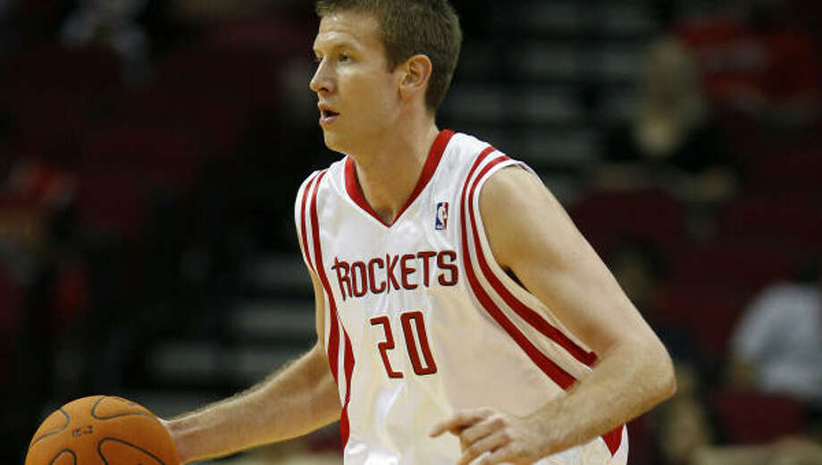Rockets' rookie Steve Novak holds the record for three-point field goals made (354) at Marquette University. Photo: James Nielsen, Chronicle