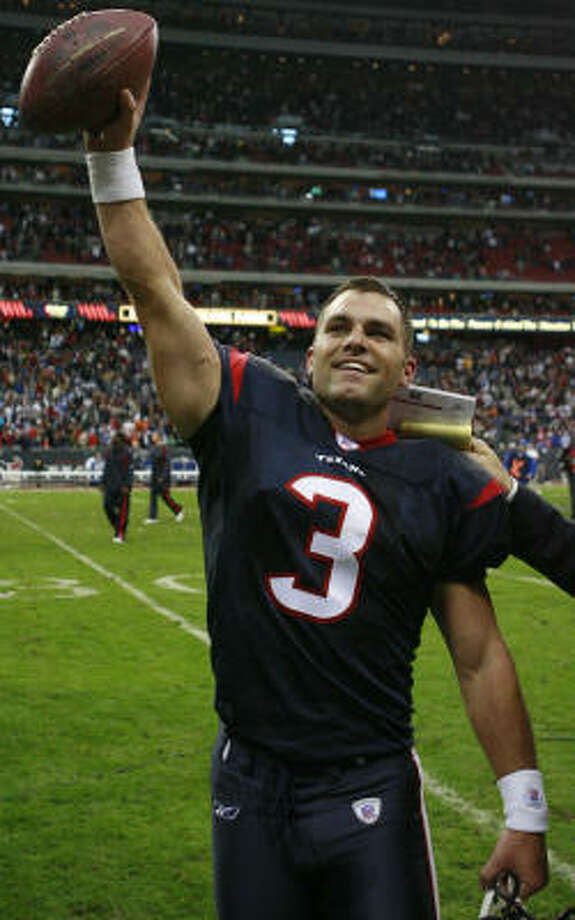Kris Brown's game-winning field goal gave the Texans their first win in 10 tries against Indianapolis. Photo: James Nielsen, Houston Chronicle