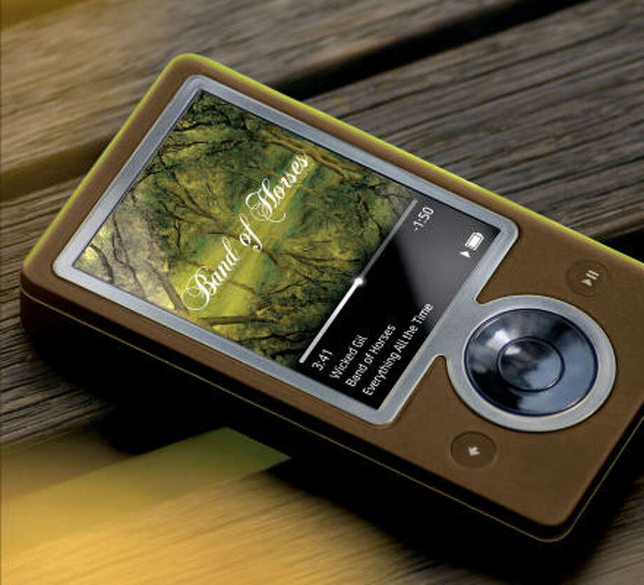 The Zune, Microsoft's answer to Apple's iPod, and its companion online store will launch on Nov. 14. Photo: AP/Courtesy Microsoft