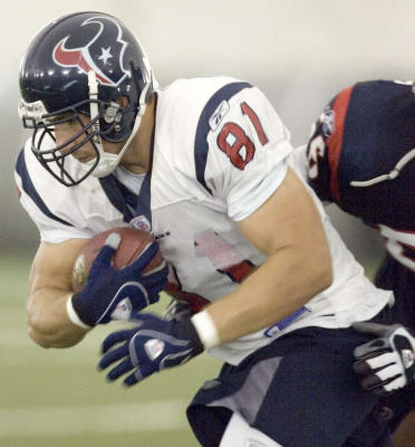Rookie tight end Owen Daniels was one of the Texans' most frequent targets on Saturday against the chiefs. Photo: BRETT COOMER, CHRONICLE