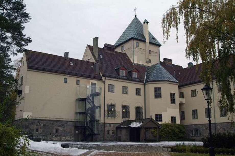 An expansive mansion in Olso used by Norwegian Nazi collaborator Vidkun Quisling during World War II now houses the Center for Studies of Holocaust and Religious Minorities. Photo: STR, REUTERS