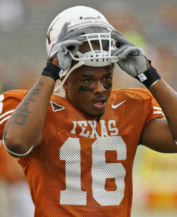 Texas tight end Jermichael Finley has made several big plays for the Longhorns this season. Photo: HARRY CABLUCK, AP