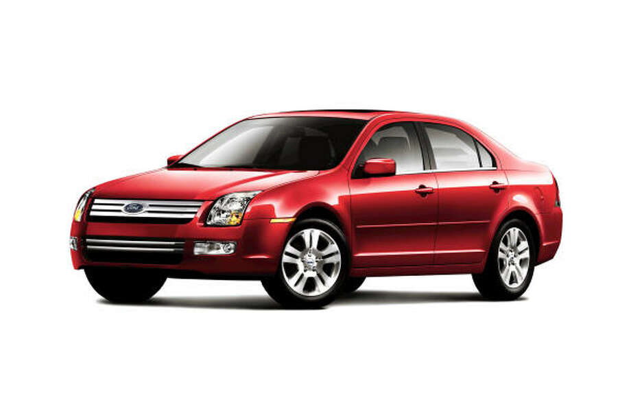 Consumer Reports Testers And Consumers Ranked The Ford Fusion Seen Here Mercury