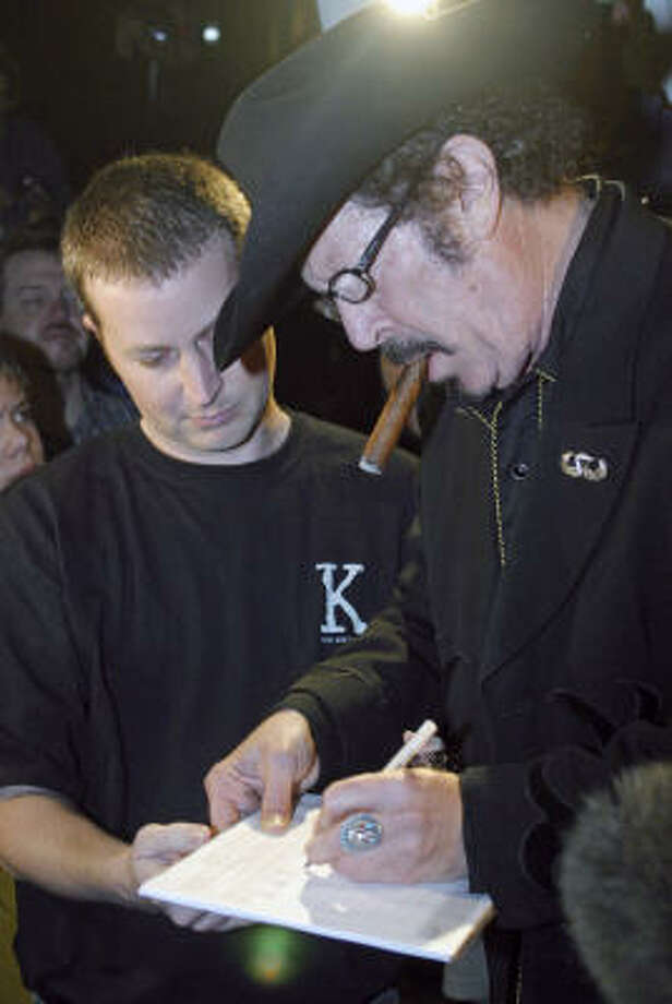 On March 8, Texas independent gubernatorial candidate Kinky Friedman signed his own petition to get him on the November ballot. Photo: JACK PLUNKETT, AP File