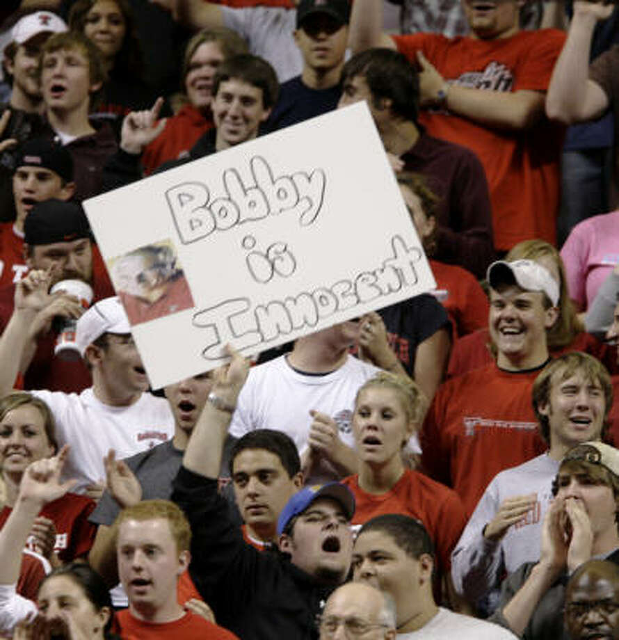 Public sentiment in Lubbock seems to favor Bob Knight, at least in one section of the crowd. A fan brought a sign to Tuesday's game between Texas Tech and Arkansas-Little Rock. Photo: TONY GUTIERREZ, AP