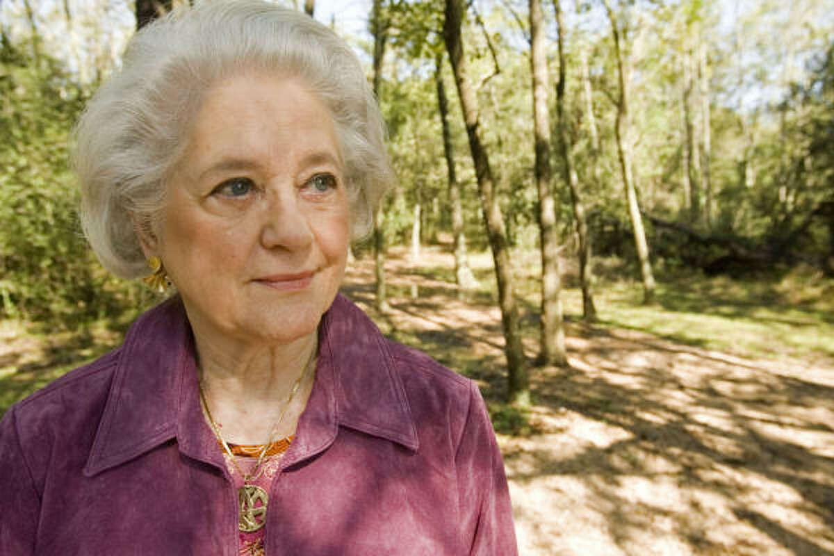 Nancy Thomas represents a civic-minded group of Houstonians who have dreamed of a botanic garden within the city limits for 30 years. That dream recently moved forward with the decision to build the Botanic Garden of Houston at Herman Brown Park.
