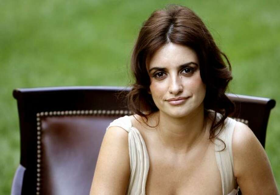 Actress Penelope Cruz could win Cruz the first-ever Oscar for a Spanish actress for her portrayal in Volver. Photo: MARIO ANZUONI, REUTERS