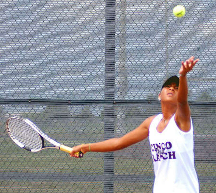 Paige Rachel leads a Cinco Ranch girls tennis team that is looking to make strides this fall. Photo: Ernie Chan, For The Chronicle