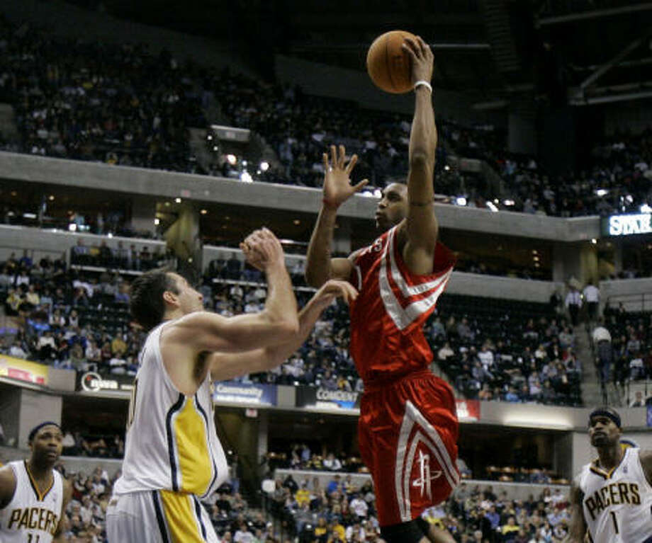 With Yao Ming out for an extended period of time with a broken leg, the Rockets are counting on maximum production from a healthy Tracy McGrady. Photo: Darron Cummings, AP