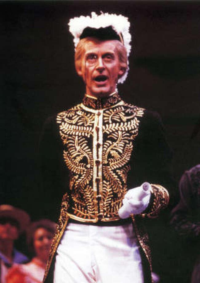 Alistair Donkin plays Sir Joseph Porter in the Gilbert & Sullivan Society of Houston's production of H.M.S. Pinafore. Photo: Gilbert & Sullivan Society Of Houston