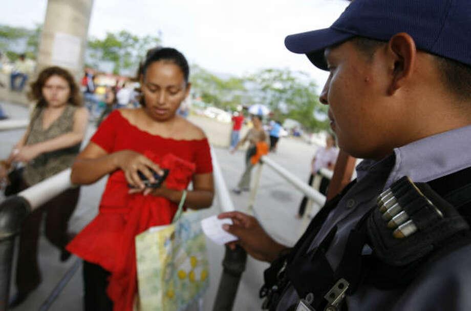 Security Jobs In Dallas >> Gangs make security big business in Honduras - Houston ...