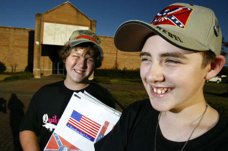 Robert Kaufman Jr., left, and Marshall Alexander, both 13, are being home-schooled after a Confederate battle flag controversy at Harby Junior High School in Alvin. Photo: Nick De La Torre, CHRONICLE