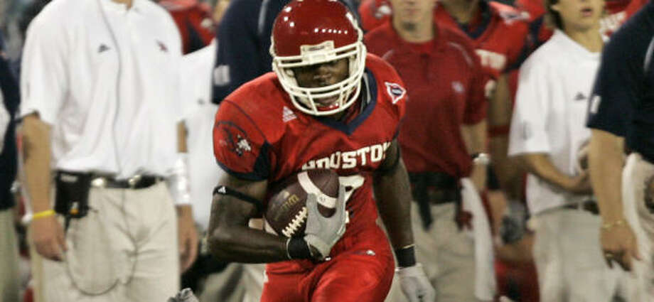 Donnie Avery's 37-yard TD tied the game in the third quarter. The Cougars are 3-1 in C-USA. Photo: DAVID J. PHILLIP, AP