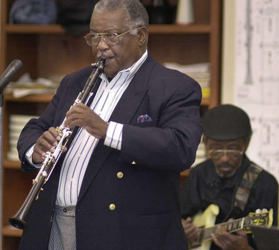 Alvin Batiste, 74: Jazz clarinetist. Photo: Travis Spradling, AP