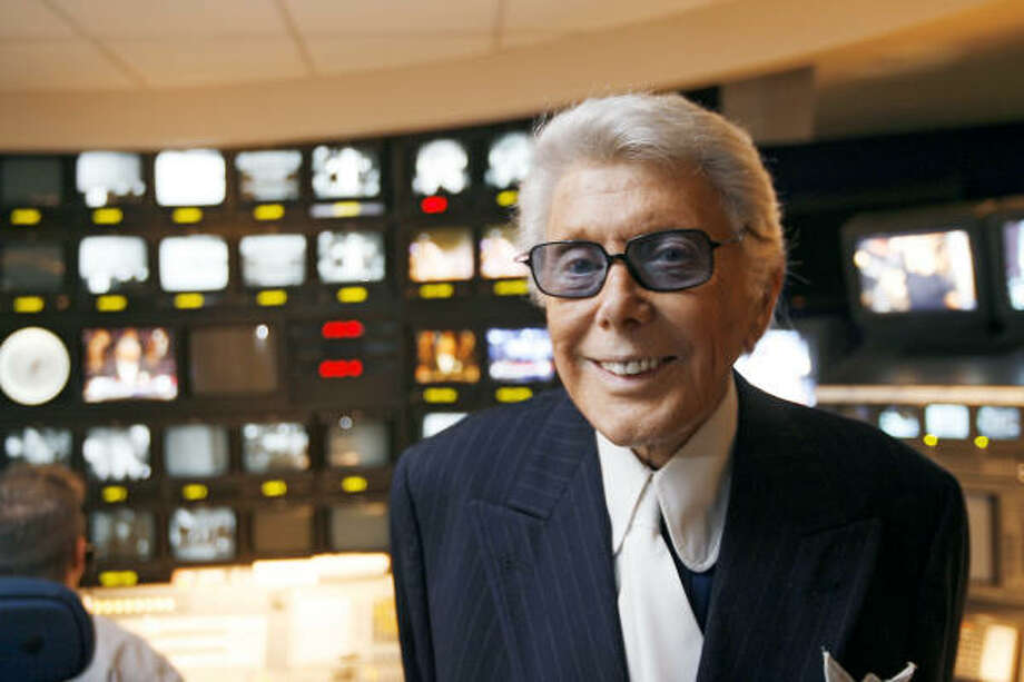 "Marvin Zindler at KTRK studios Feb. 9, 2006. His days as host of ""The Roving Mike"" were 20 years before he joined KTRK in the early 1970s. Photo: Billy Smith II, CHRONICLE"