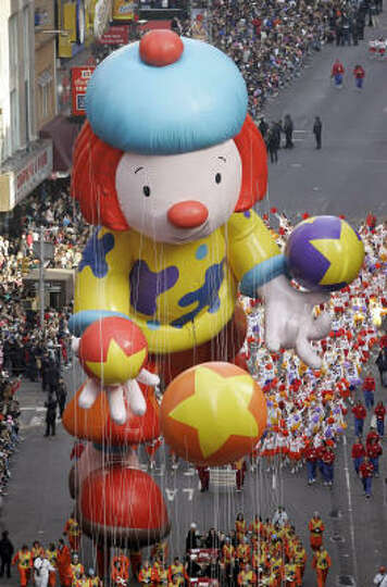 Gt350R For Sale >> The JoJo balloon floats down Broadway during the Macy's... Photo-1492613.27553 - Houston Chronicle