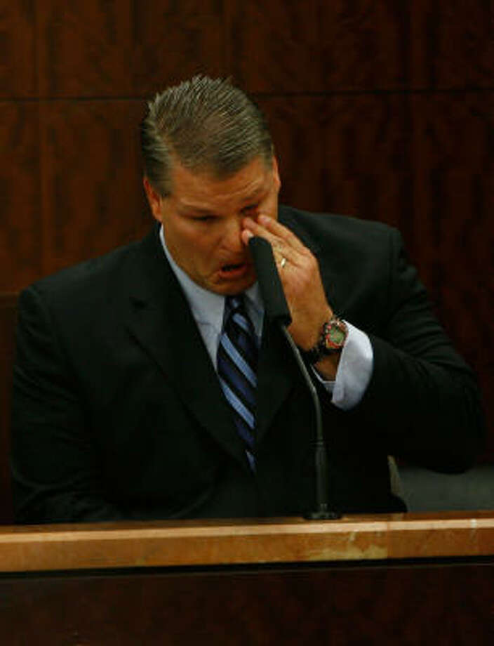 David Temple gets emotional on the stand Nov. 12. Photo: Kevin Fujii, Houston Chronicle
