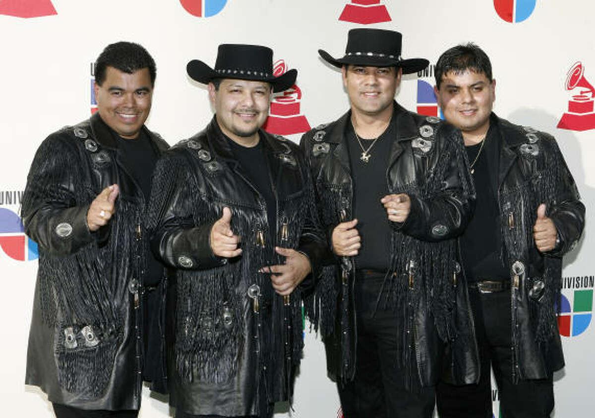 Red carpet: Los Palominos