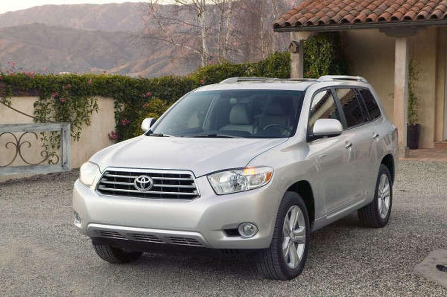 Midsize SUV: Toyota Highlander (2008 shown), Honda Pilot  Source: Edmunds Photo: Toyota