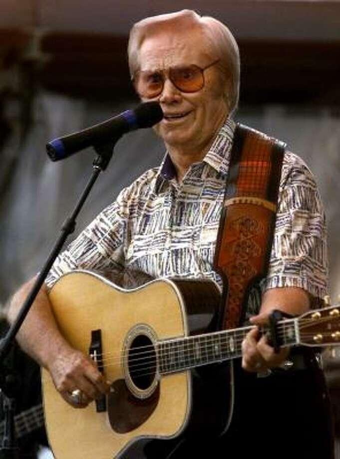 George Jones performs in Nashville, Tenn. in June 14, 1999. Photo: JOHN RUSSELL, AP