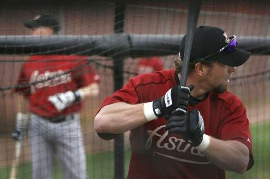 Jeff Bagwell takes batting practice at the Astros' spring training facilities. Photo: Karen Warren, Chronicle