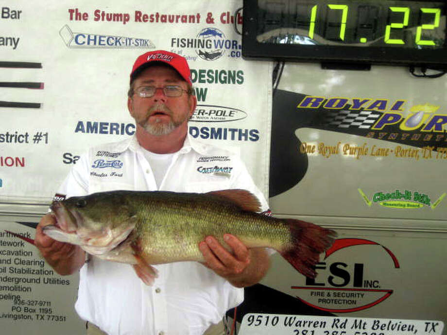 Ron Risenhoover & Charles Ford had the Big Bass of the event which was a nice 8.70 lber.