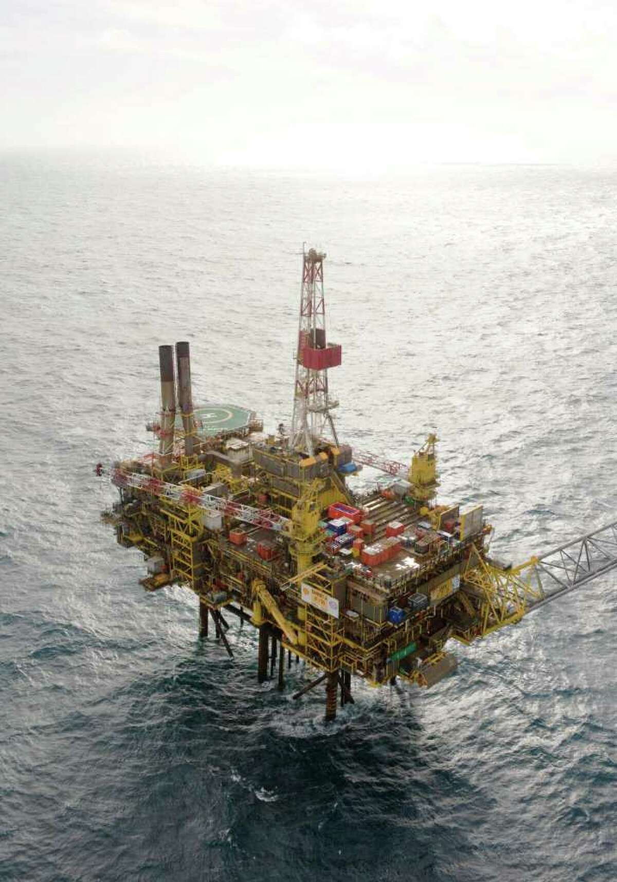 """RESTRICTED TO EDITORIAL USE - MANDATORY CREDIT """" AFP PHOTO / SHELL - KEN TAYLOR - VIA ANP"""" - NO MARKETING NO ADVERTISING CAMPAIGNS - DISTRIBUTED AS A SERVICE TO CLIENTS A picture released by Shell shows the Gannet Alpha platform in the North Sea. Shell was battling an oil leak in a North Sea pipeline off the British coast on August 13, 2011 the Anglo-Dutch oil giant company said. The leak was discovered Wednesday after an oil sheen was spotted on the surface near the Gannet Alpha production platform, 112 miles (180 kilometres) east of Aberdeen, on the Scottish east coast. AFP PHOTO / SHELL VIA ANP (Photo credit should read Ken Taylor/AFP/Getty Images)"""