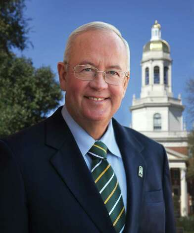 Baylor Magazine - President Judge Kenneth Starr portrait at Founders Mall in front of Pat Neff Hall   - 02/16/2010 Photo: Robert Rogers / Copyright © 2010 Baylor University - All Rights Reserved