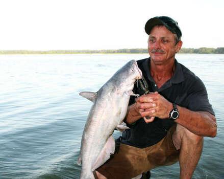 Tompkins catfish thriving in lake houston houston chronicle for Lake houston fishing