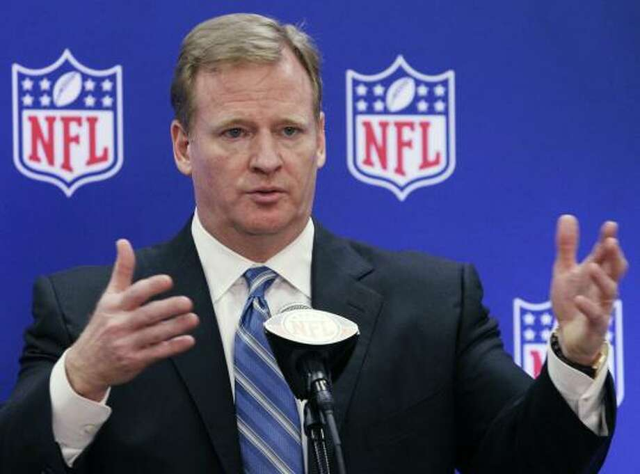 NFL Commissioner Roger Goodell joined the meeting of nine of the 10 members of the labor committee. Photo: Nam Y. Huh, Associated Press