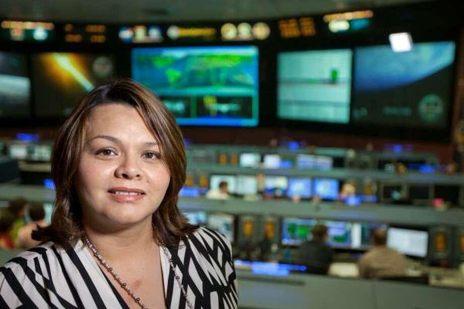 Dorothy Ruiz, en el Johnson Space Center de la NASA. Photo: Smiley N. Pool, Houston Chronicle