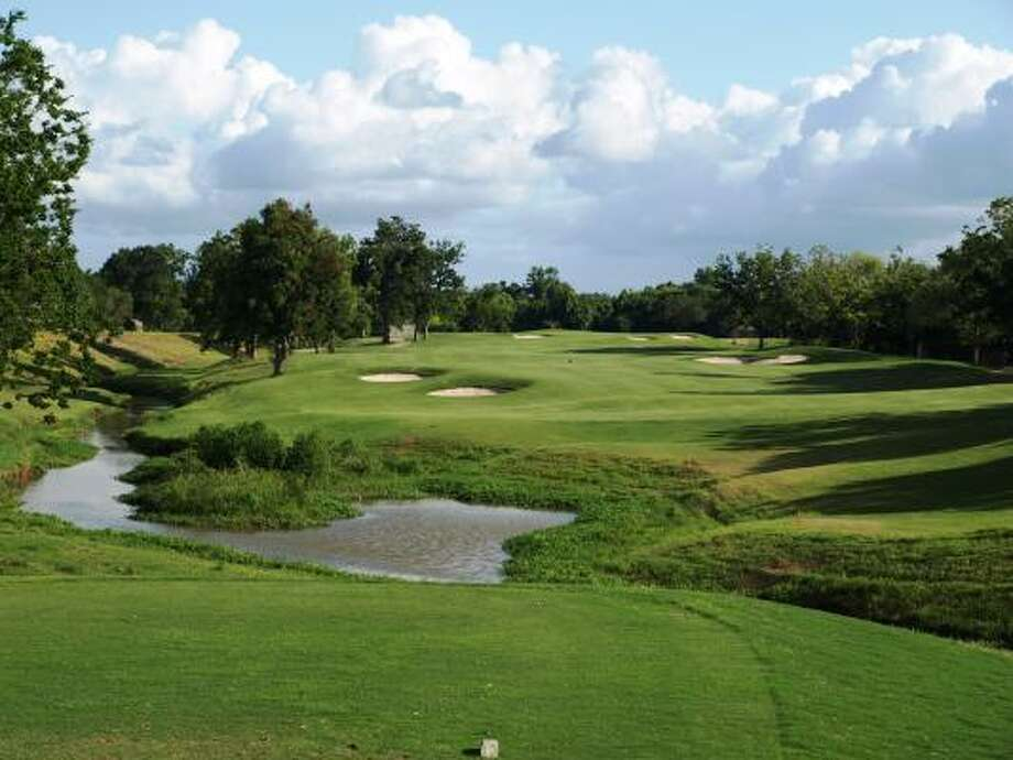 The first hole gives quick and clear evidence that Quail Valley's El Dorado Course is in excellent shape. Photo: Mike Bailey, For The Chronicle