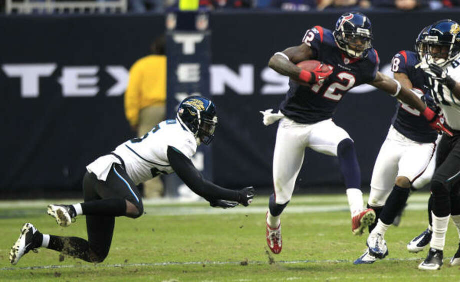 The Texans are hoping wide receiver Jacoby Jones (12) has a breakout season in 2011. Photo: Brett Coomer, Chronicle