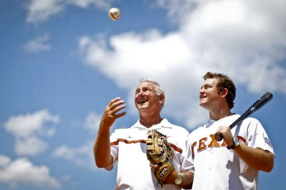 Ron Kainer, left, donated a kidney to his son, Carson Kainer, a few years ago. Carson will participate in the National Kidney Foundation World Transplant Games in Sweden. Both men were high school baseball players who went on to play at the college and professional levels. Photo: Michael Paulsen, Houston Chronicle
