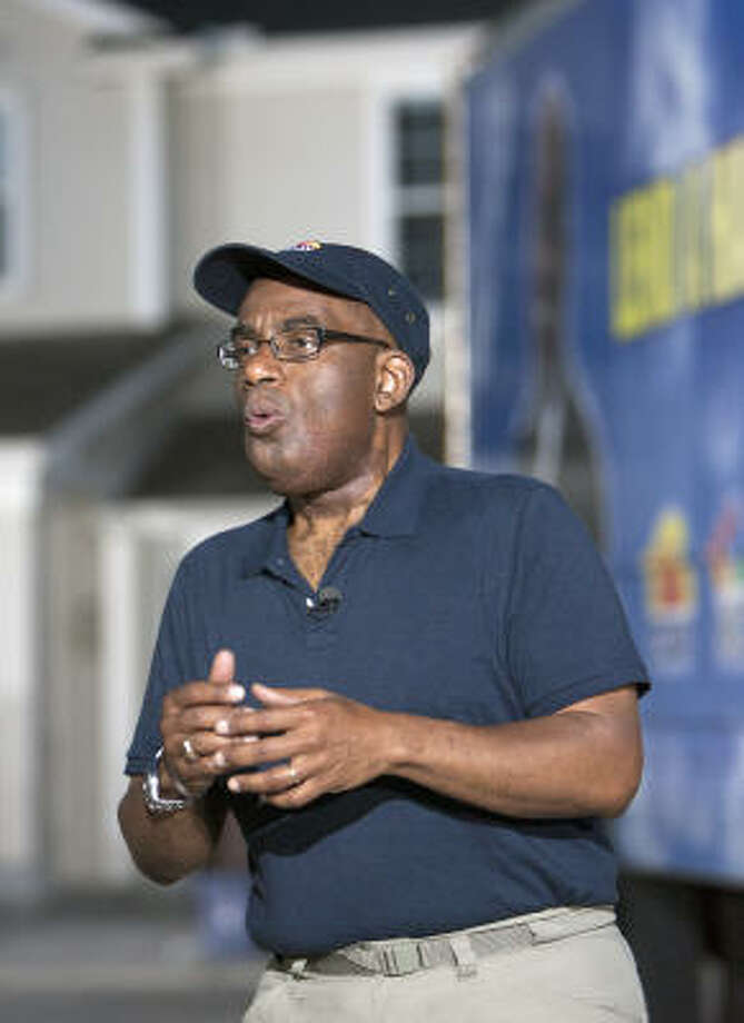 """Al Roker can hardly contain himself about his show's Lend a Hand effort. """"I love it,"""" he says. """"It's a rush."""" Photo: Cody Duty, Chronicle"""