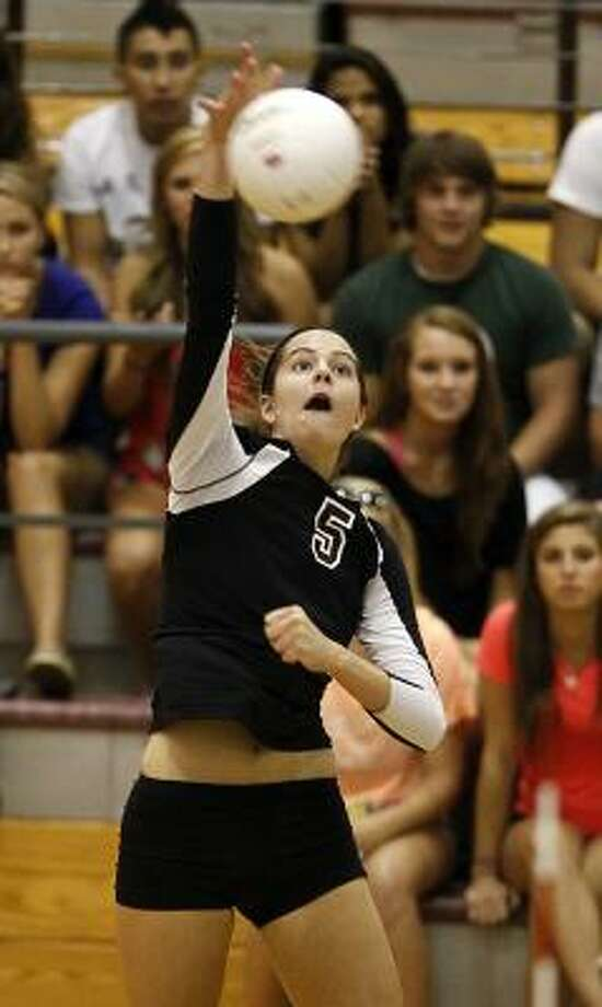 Kylie Randall had 12 kills and three aces in Friday's victory. Photo: Nick De La Torre, Chronicle