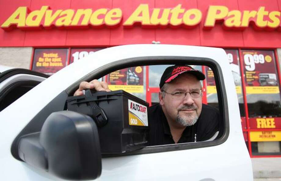 Lee Kirschke, assistant general manager of an Advance Auto Parts in Katy, says the chain's home delivery program is working well. Advance is trying out the concept in several places, including the Houston area. In fact, the idea originated with employees in Houston. Photo: Mayra Beltran :, Chronicle