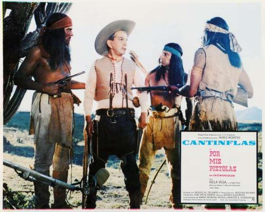 En el viejo oeste: el personaje del actor mexicano se acomodó a diferentes géneros; un ejemplo es el western Por mis pistolas, que filmó en 1968. Photo: Cineteca Nacional De México