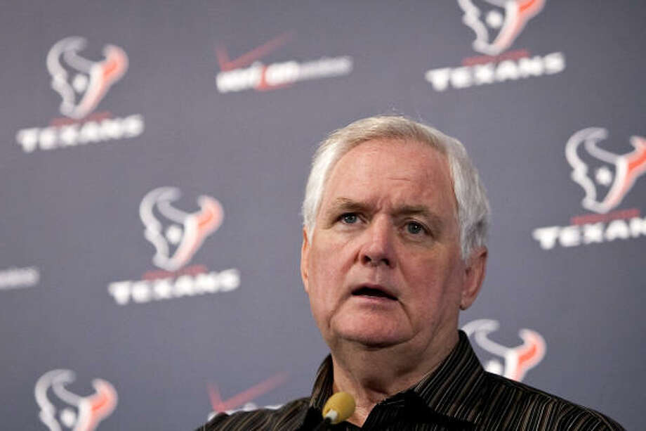 The Texans landed one of the NFL's top defensive coordinators when they hired Wade Phillips. Photo: Nick De La Torre, Chronicle