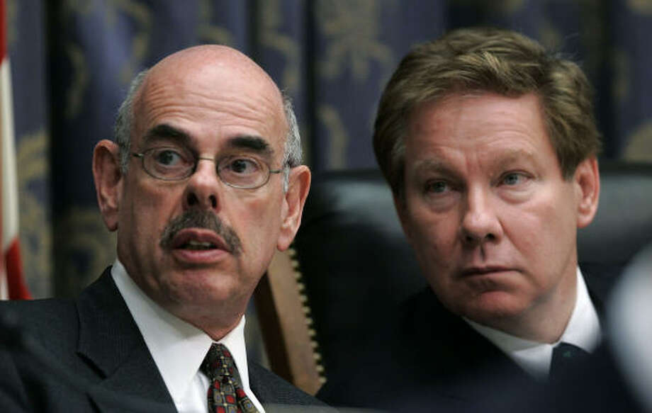 In 2005, U.S. Rep. Henry A. Waxman (D-CA), left, and U.S. Rep. Tom Davis (R-VA) basked in the spotlight during the House hearing on steroids. Six years later, Congress hasn't enacted a single piece of legislation regarding the use or distribution of performance-enhancing drugs. Photo: Win McNamee, REUTERS