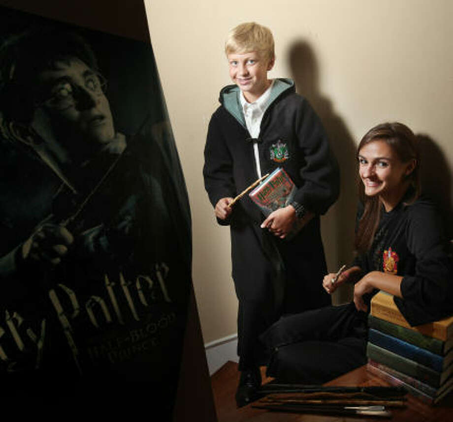 Connor Braaten, a seventh-grader, and Catherine Braaten, a senior in high school, grew up reading Harry Potter. Photo: Mayra Beltran, Chronicle